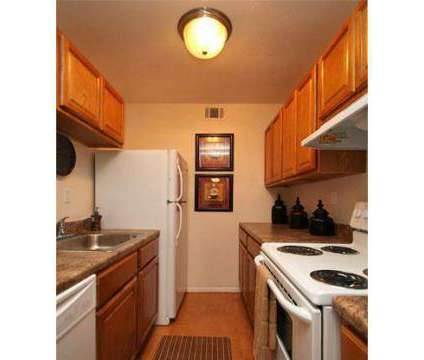 3 Beds - Tanglewood at 1300 Tanglewood Dr in Westwego LA is a Apartment