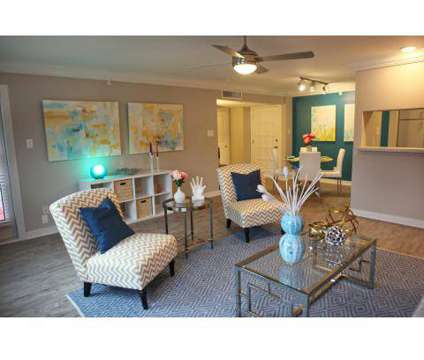 1 Bed - The Sapphire Resort at 2002 San Sebastian in Houston TX is a Apartment