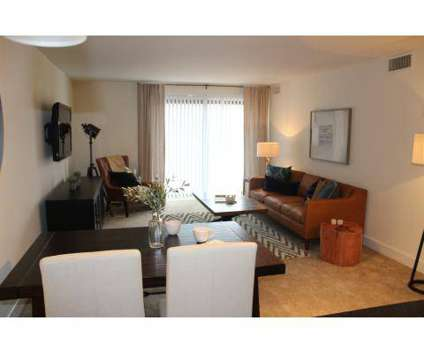 3 Beds - Lake+House at 333 Wood Creek Rd in Wheeling IL is a Apartment