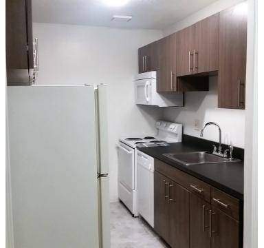 3 Beds - Queensdale Apartments