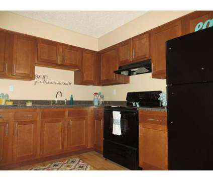 3 Beds - Colonial Ridge Apartments at 2609 Mangowood Rd in Colonial Heights VA is a Apartment