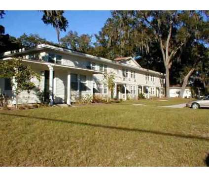 3 Beds - St. John's Landing at 1408 N Orange Ave in Green Cove Springs FL is a Apartment