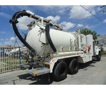 1994 Ford LNT8000 Keith Huber King Vac Wet/Dry vacuum truck is a 1994 Other Commercial Truck in Miami FL