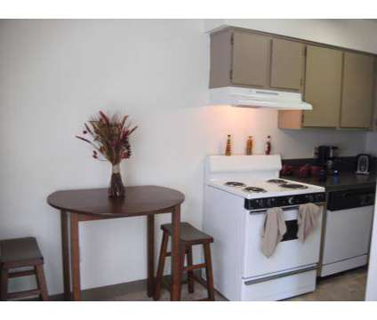 3 Beds - Penny Lane Mews at 688 Penny Ln in Columbus OH is a Apartment