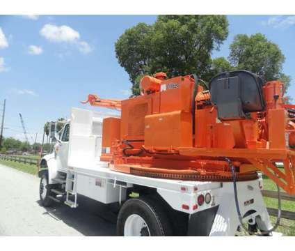 1998 International 4800 Altec CH7 Pressure Digger is a 1998 Other Commercial Truck in Miami FL