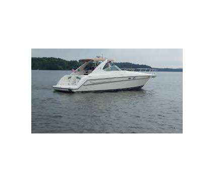 Maxum 4100SCR with Cummins Diesels is a 43 foot 1997 Motor Boat in Warwick RI