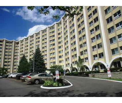 Studio - The Lakewoods Apartments at 980 Wilmington Ave in Dayton OH is a Apartment