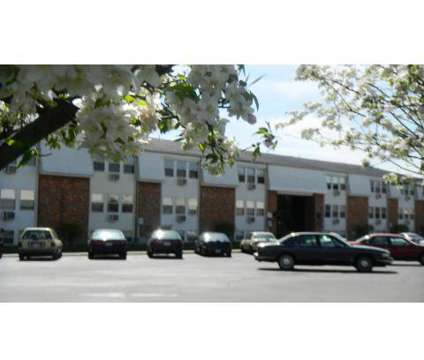 1 Bed - Colonial Court at 1431 Wilmington Avenue in Dayton OH is a Apartment