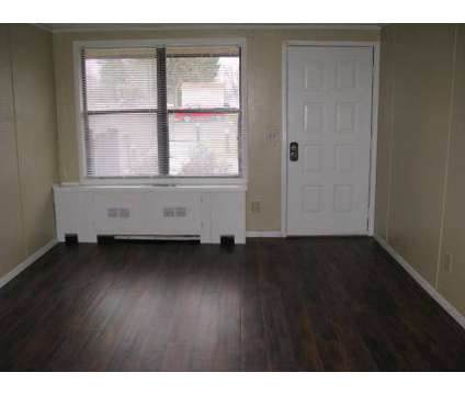 2 Beds - Amhurst Apartments at 106 Amhurst Drive in Erlanger KY is a Apartment