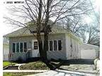 $675 / 2br - 1900ft² - Beautiful 2 bedroom 1.75 bath 2 stall garage