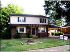$1095 / Four BR - 1095ft² - 5394 Scottsdale Ave - 38115 - WRI