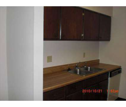2 Beds - Kimberly Club Apartments at 3300 East Kimberly Rd in Davenport IA is a Apartment
