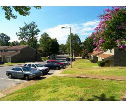 3 Beds - The Glen at 6081 Summer Ave in Memphis TN is a Apartment