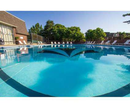 1 Bed - Chateau Meadows at 6100 Vine St in Lincoln NE is a Apartment