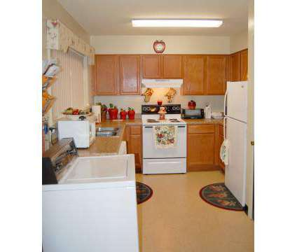 2 Beds - Hillcrest Apartments at 4155 East Wind Drive #1 in Memphis TN is a Apartment