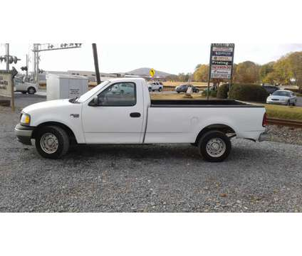 2000 Ford F-150 XL V8 110,000 MILES SOLID TRUCK is a 2000 Ford F-150 XL Truck in Atlanta GA
