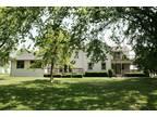 13N245 Engel Rd. - Premier Living Properties