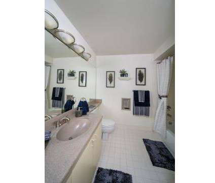 3 Beds - Riverfront Towers at 100 Riverfront Dr in Detroit MI is a Apartment