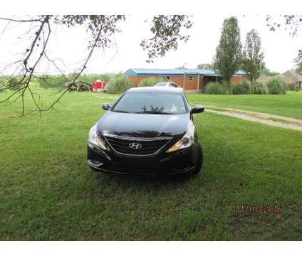 2012 Hyundai Sonata SE is a 2012 Hyundai Sonata Sedan in Pelahatchie MS