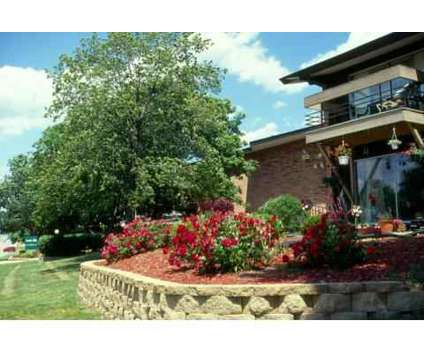 1 Bed - Loomis Hills at 4057 S 35th St in Greenfield WI is a Apartment