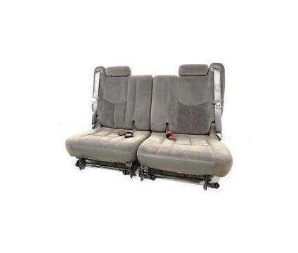 2005 GMC Yukon Foldable Gray Cloth 3rd Seat is a Grey 2005 GMC Yukon SUV in Easton MD