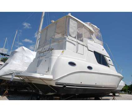 2002 Silverton 352 Motor Yacht is a 35 foot 2002 Motor Boat in Warwick RI