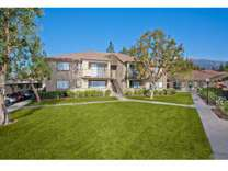2 Beds - Evergreen Apartments & Townhomes