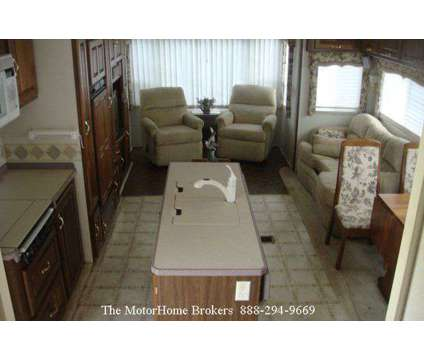 2003 Holiday Rambler Presidential 36' w/3 Slide-Outs is a 2003 Monaco Holiday Rambler Travel Trailer in Union Bridge MD