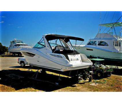 Like new 2014 Sea Ray Sundancer 330 with warranty and 2015+ styling is a 20 foot 2014 Sea Ray Sundancer Yacht in Bridgeport CT