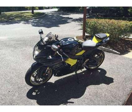 2011 SUZUKI GSX-R 750, WhatsAp on +[phone removed] is a 2011 Suzuki GSX-R750 Road Motorcycle in England ABD