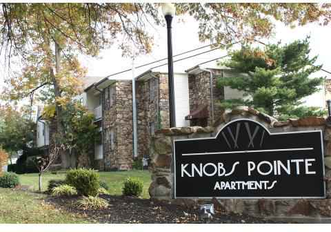 3 Beds - Knobs Pointe Apartmen