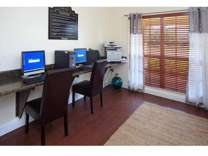 3 Beds - Emerald Lake Apartments