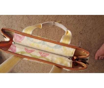 Authentic coach purse is a Handbags & Purses for Sale in Glendale AZ