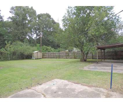 Location, Location. Jefferson & Drusilla in Heart of BR at 8580 Norfolk Dr in Baton Rouge LA is a Single-Family Home