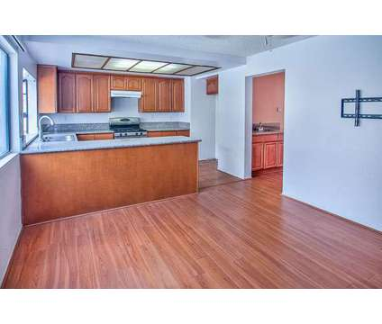 For Sale: 3 Bed 3 Bath Townhouse in Chatsworth at 10009 Topanga Canyon in Los Angeles CA is a Condo
