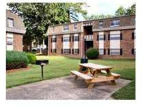 2 Beds - Kingswood Apartments
