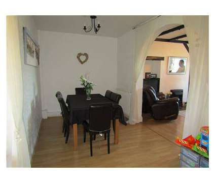 2 bed House - Mid Terrace in Brinklow WAR is a House