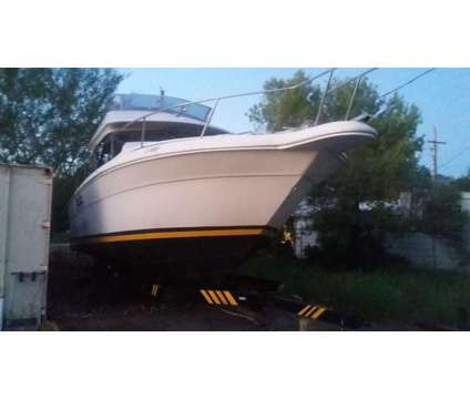 Searay Sedan Bridge 300 1989 with the Triple Axle is a 17 foot 1989 Pontoon & Deck Boat in Phoenix AZ