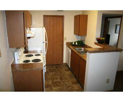2 Beds - Gateway Lakes at 3799 Gateway Lakes in Grove City OH is a Apartment