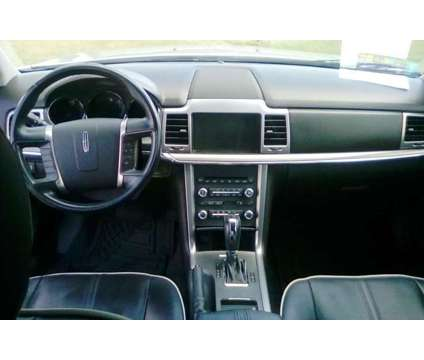 2011 Lincoln MKZ Navigation- Sunroof-Low Miles-A STEAL is a 2011 Lincoln MKZ Sedan in Cartersville GA
