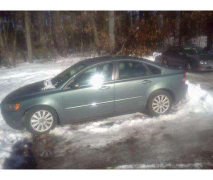 2004 Volvo s40 is a 2004 Volvo S40 2.4i Sedan in Manchester NH