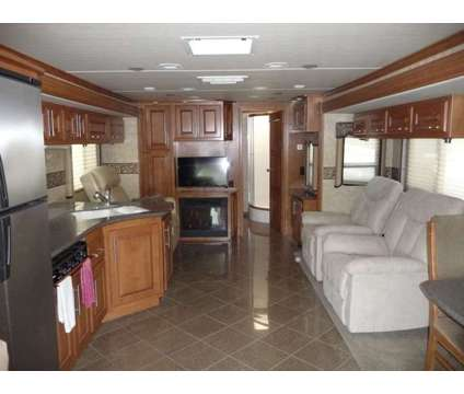 2011 Sportscoach Pathfinder 405FK is a 2011 Motorhome in Palmview TX