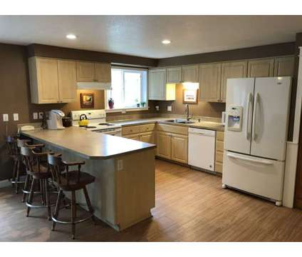 Home for sale by owner at 1155 Ash St in Dayton OR is a Single-Family Home