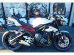 2018 Triumph Street Triple R Crystal White Metallic ABS