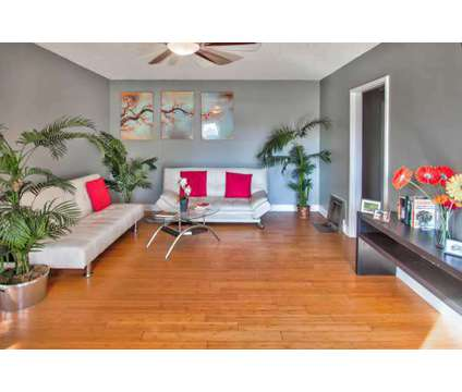 For Sale: 2 Bed+Den 1 Bath house in North Hollywood at 5621 Auckland Ave in Los Angeles CA is a Single-Family Home