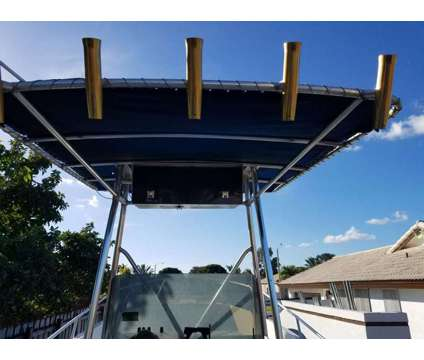 1981 Robalo 26 Sport Fisherman - $13365 (Miami) is a 1981 Fishing Boat in Quail Heights FL