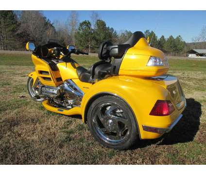 2010 Honda Goldwing Gl 1800 W/ Csc Viper Trike Kit Conversion is a 2010 Motorcycles Trike in Rome GA