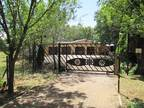 Smallholding with 4 BR Home in Buyscelia