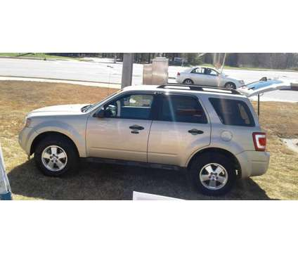 2012 Ford Escape Xlt 68k is a 2012 Ford Escape XLT SUV in Cartersville GA