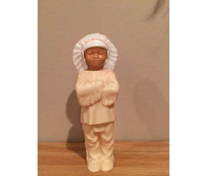Vintage Indian Chief Figurine is a Brown, White Collectibles for Sale in Wescosville PA